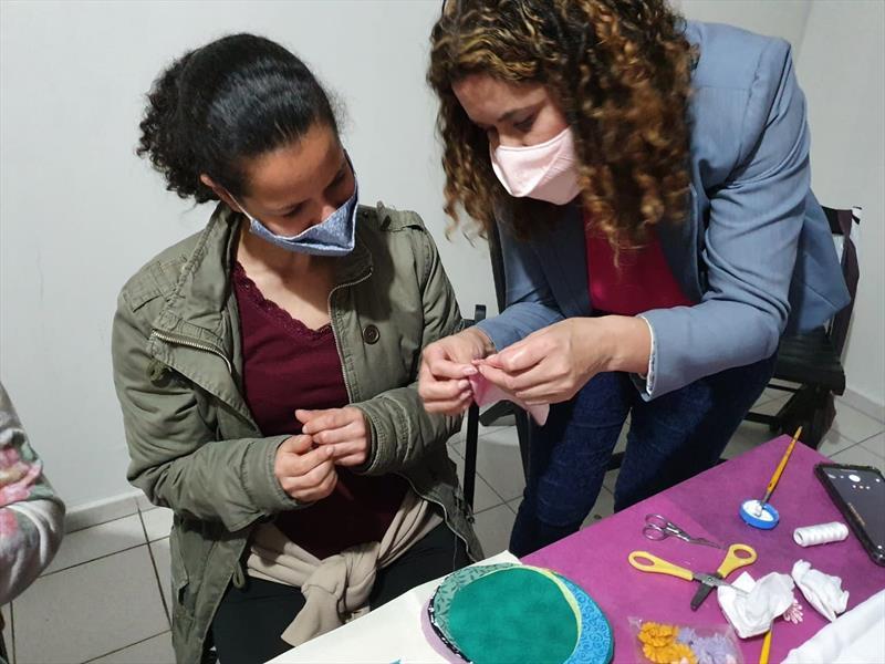 Oficinas quinzenais voltadas às mulheres renovam a confiança e criam possibilidades de mudança. Foto: Divulgação