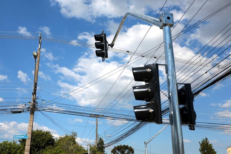 Prioridade definida pela população, semáforo é instalado no Boqueirão