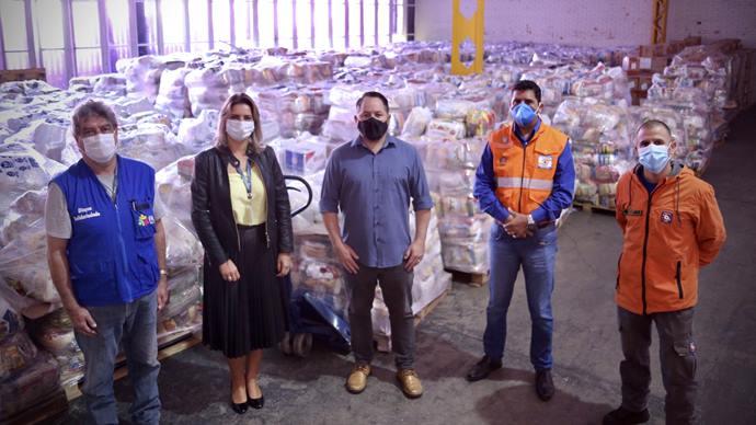 Defesas Civis de Curitiba e do Estado se unem na arrecadação de cestas básicas. Curitiba, 12/04/2021. Foto: Luiz Costa/SMCS