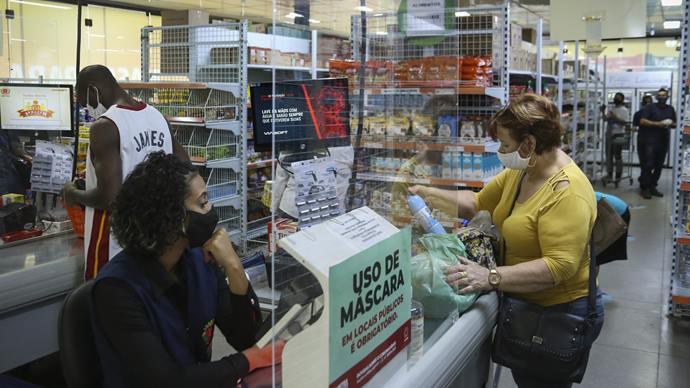 A Prefeitura lançou, o auxílio alimentar de Curitiba, que está beneficiando 35 mil famílias. Foto: Luiz Costa /SMCS