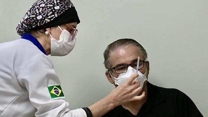 Vacinação de professores é ampliada para 38 anos e mais. Foto: Luiz Costa/SMCS