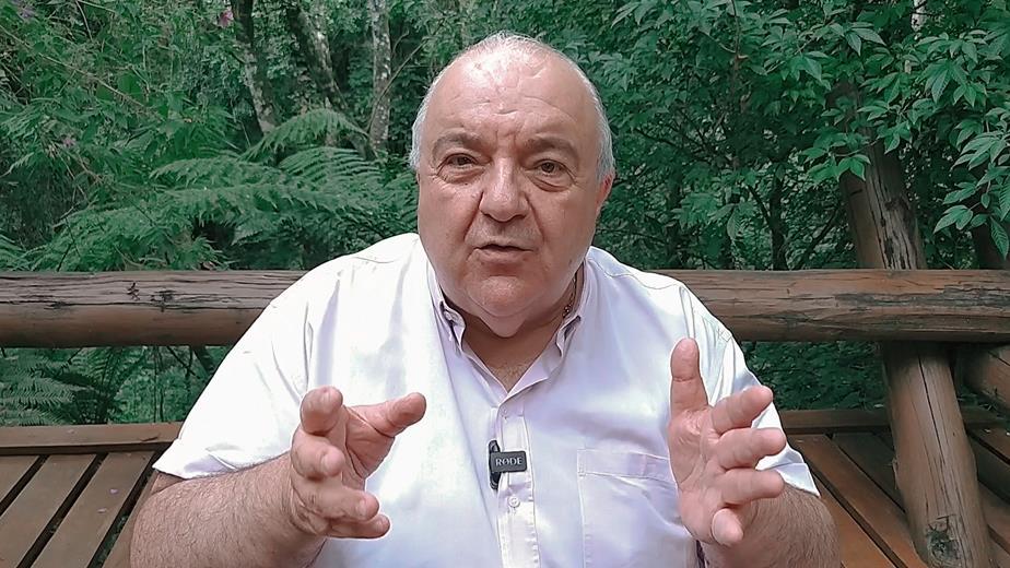 Prefeito Rafael Greca fala sobre medidas preventivas para combater o coronavírus