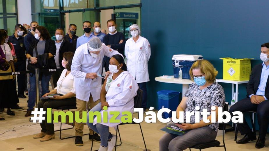 Primeiros vacinados de Covid em Curitiba